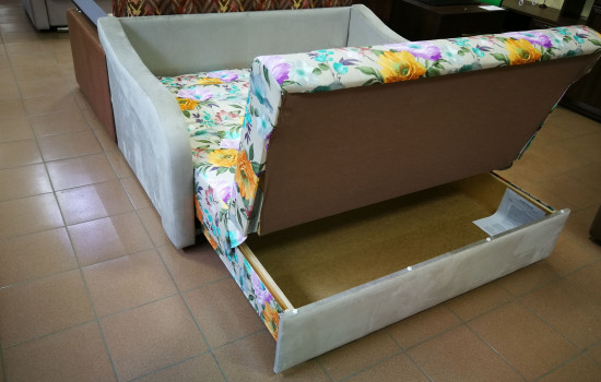 Диван для спальни в продаже в г. Пушкино